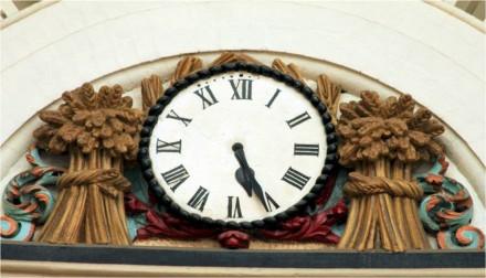 Leeds-corn-exchange-clock5