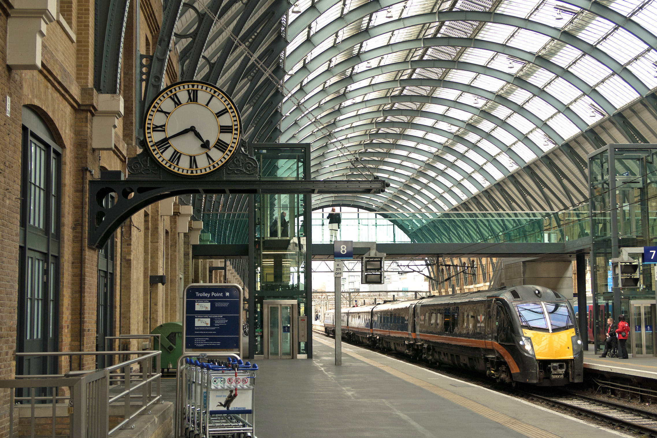 Case Study Kings Cross Platform 8 Smith Of Derby Building A Synchronous Clock The However Winged Its Way To Our Workshops Where Within Earshot Trains On Adjacent Main Railway Line It Would Feel Quite At Home